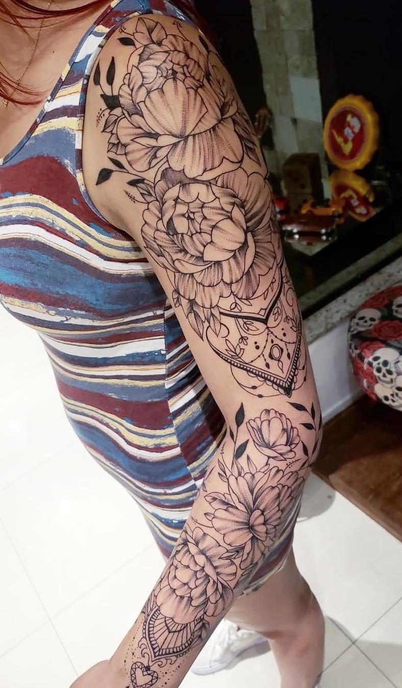 Fotos-de-tatuagens-de-braço-fechado-femininas-2-1