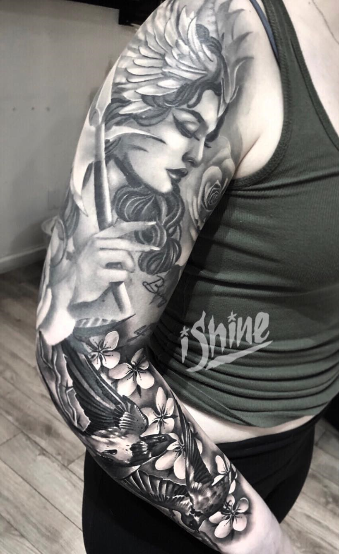 Tatuagens-femininas-de-braço-fechado-15