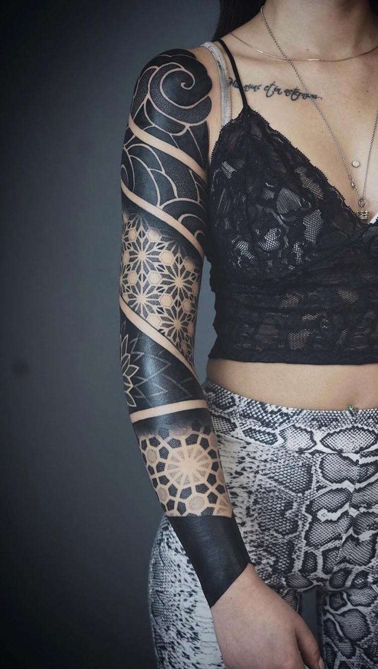 Tatuagens-femininas-de-braço-fechado-17