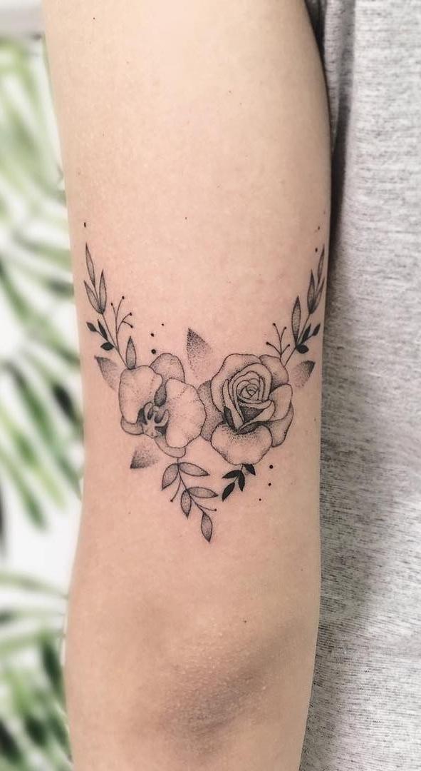 Tatuagens-femininas-na-parte-superior-do-braço-3