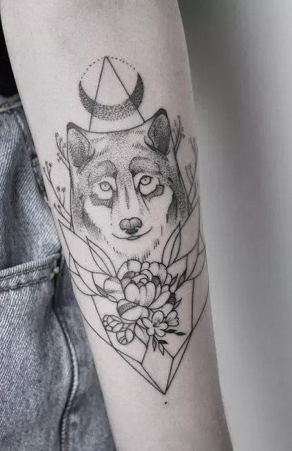 Tatuagens-femininas-no-antebraço-114