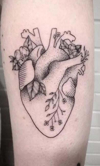 Tatuagens-femininas-no-antebraço-123