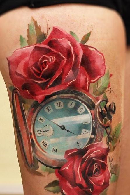 Tatuagens-na-coxa-de-flores-25