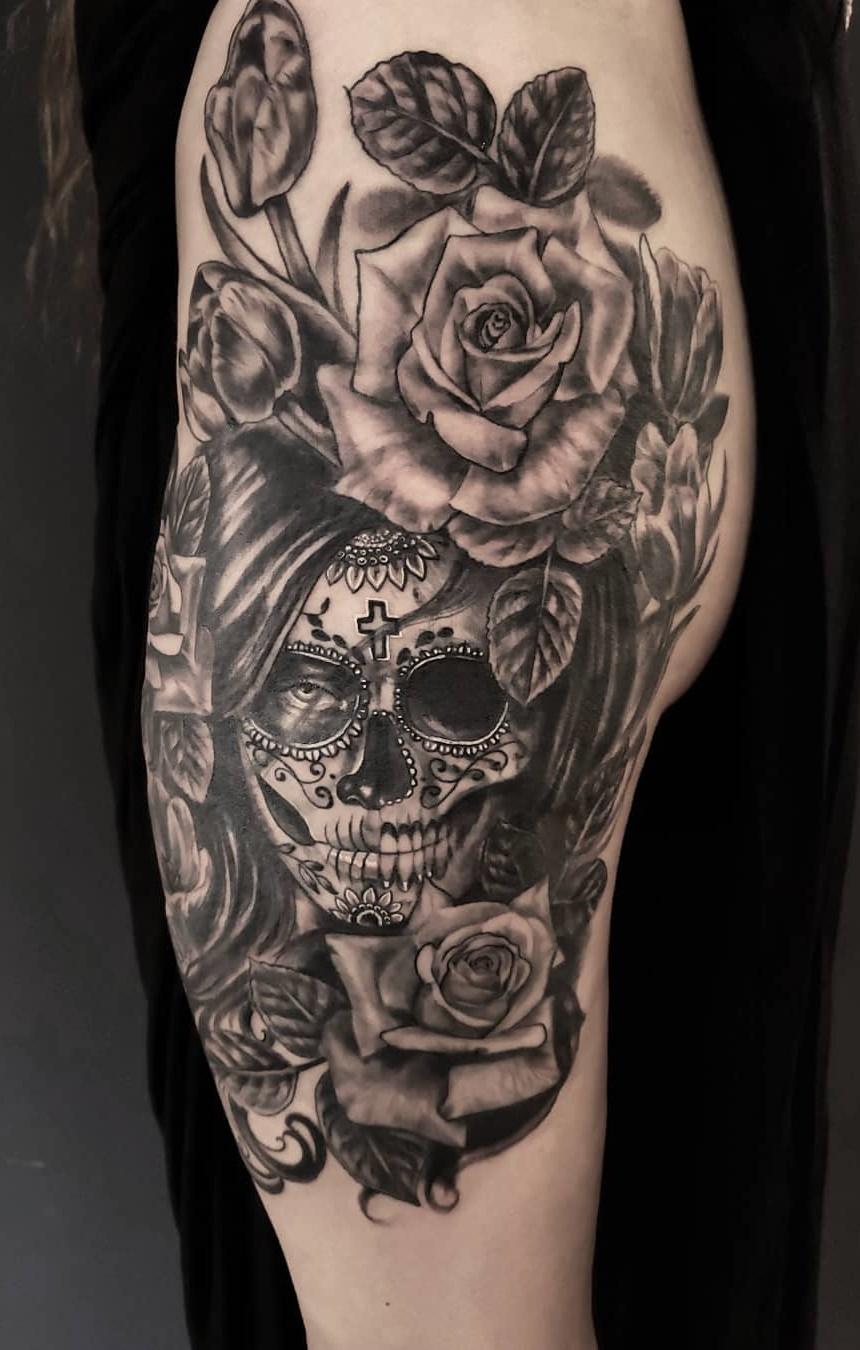 Tatuagens-na-coxa-de-flores-35