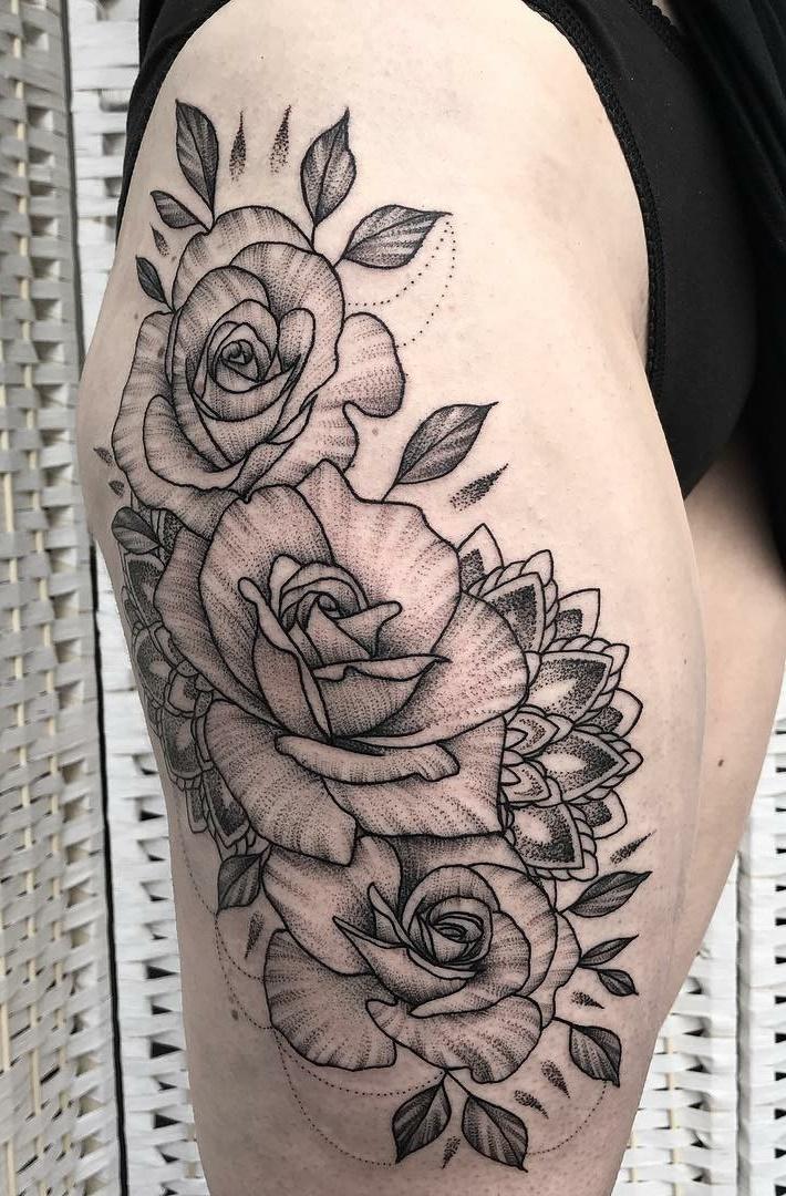 Tatuagens-na-coxa-de-flores-37