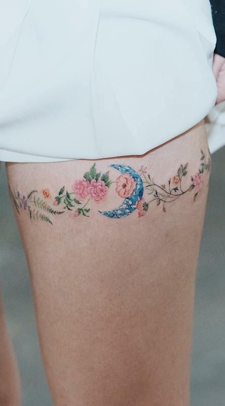 Tatuagens-na-coxa-de-flores-9-1
