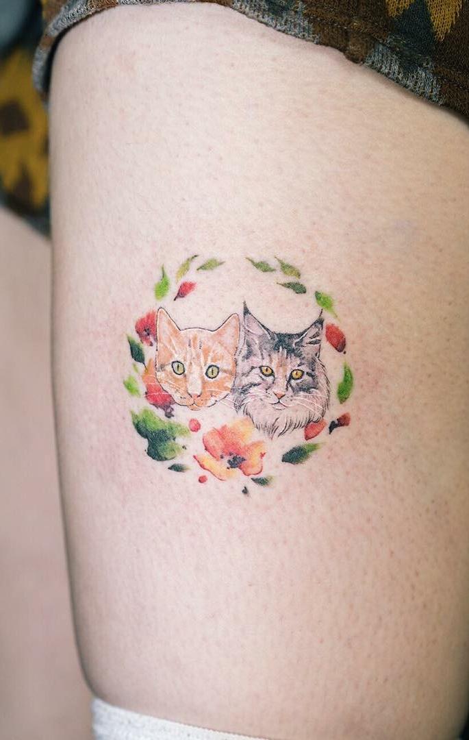Tatuagens-na-coxa-delicadas-11