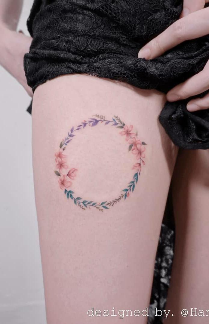 Tatuagens-na-coxa-delicadas-13