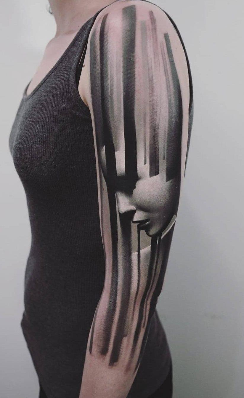 Tatuagens-na-parte-superior-do-braço-feminino-24