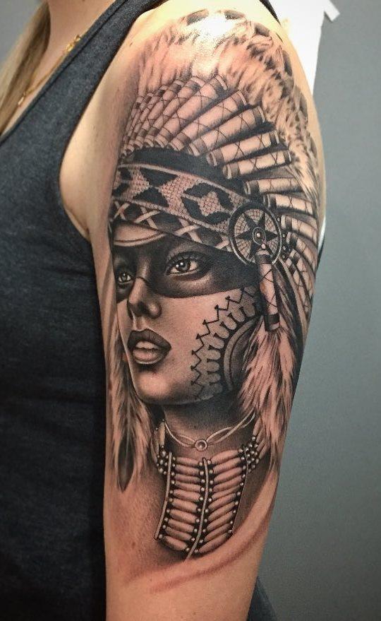 Tatuagens-na-parte-superior-do-braço-feminino-27
