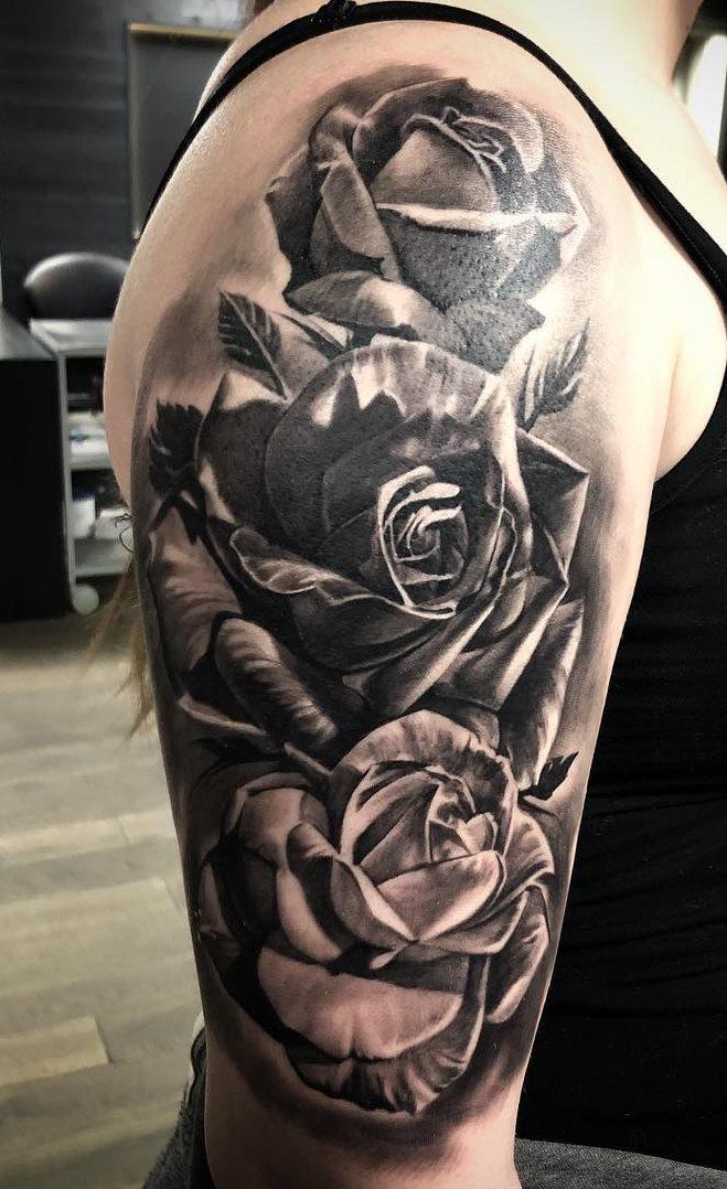Tatuagens-na-parte-superior-do-braço-feminino-32
