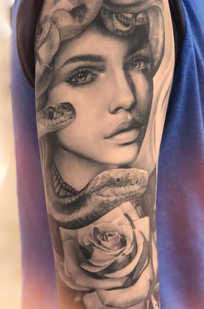Tatuagens-na-parte-superior-do-braço-feminino-4