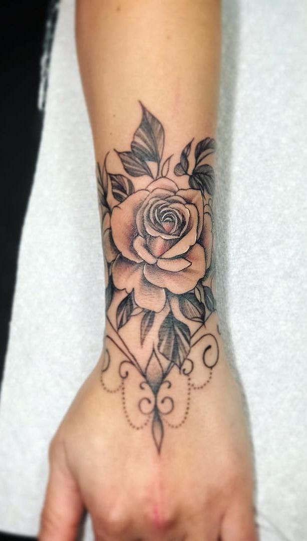 tattoo-feminina-no-antebraço-9