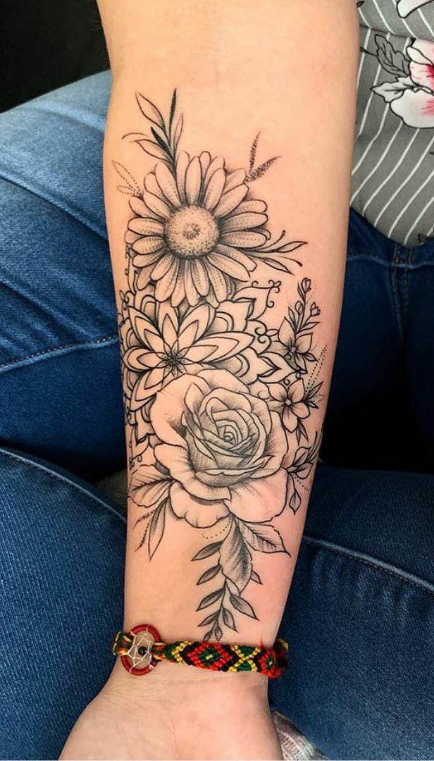 tatuagem-de-flor-no-antebraço
