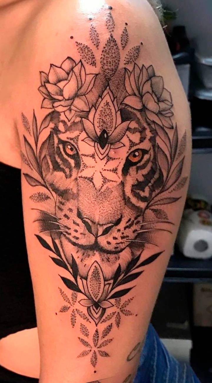 tatuagem-de-tigre-na-parte-superior-do-braco-feminino-1