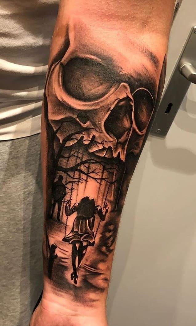 tatuagem-masculina-de-caveira-no-antebraço-1