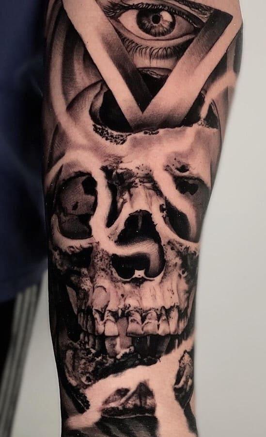 tatuagem-masculina-de-caveira-no-antebraço-2