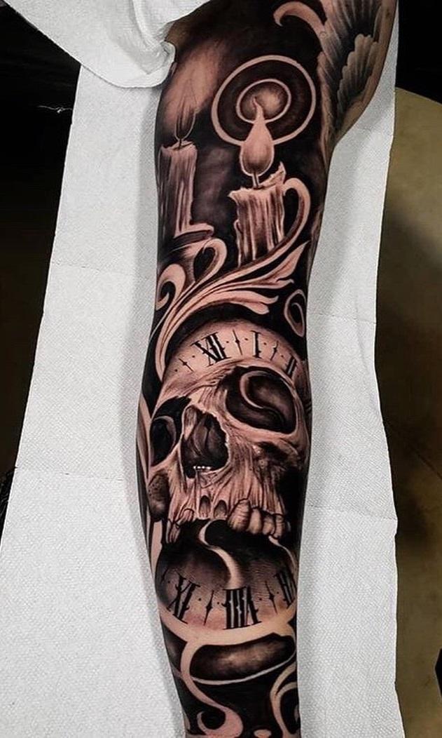 tatuagem-masculina-de-caveira-no-braço