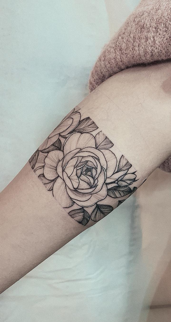 tatuagens-de-flores-no-antebraço-3