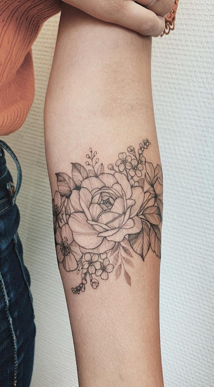 tatuagens-de-flores-no-antebraço-7