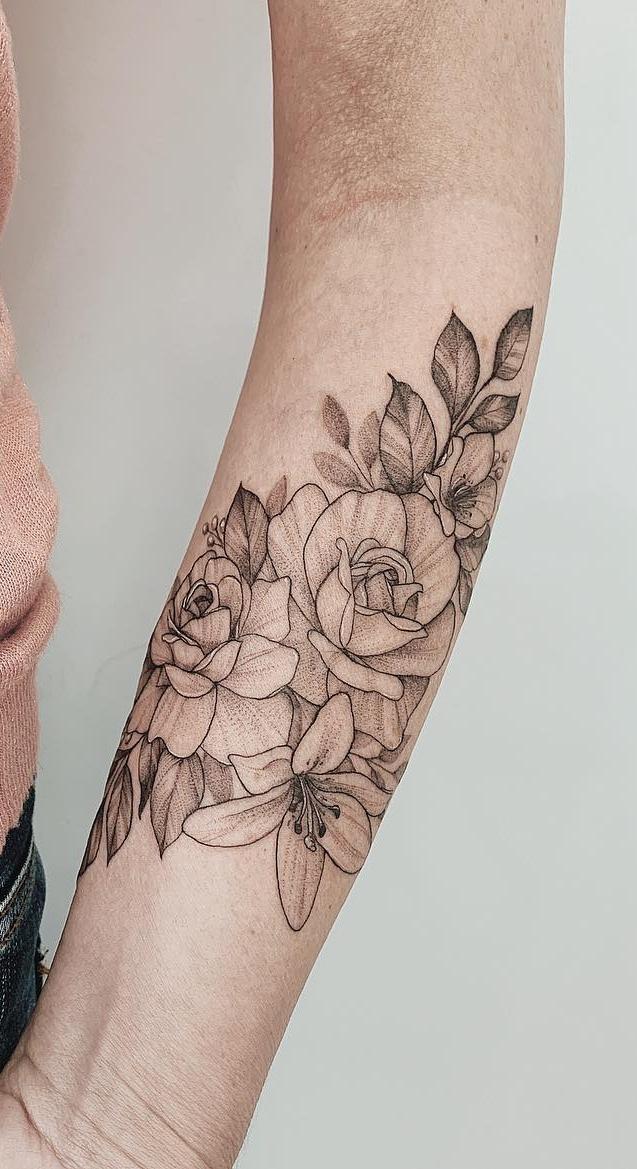 tatuagens-de-flores-no-antebraço-8