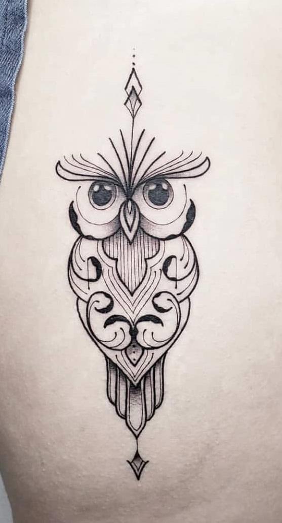 Tatuagem-geométrica-de-coruja