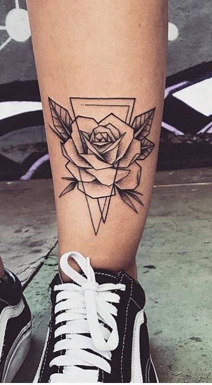 Tatuagem-feminina-no-tornozelo-2-1