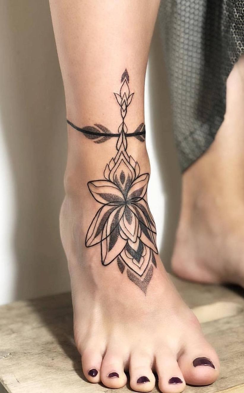 Tatuagem-feminina-no-tornozelo-3