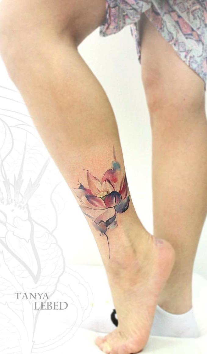 Tatuagem-feminina-no-tornozelo-7