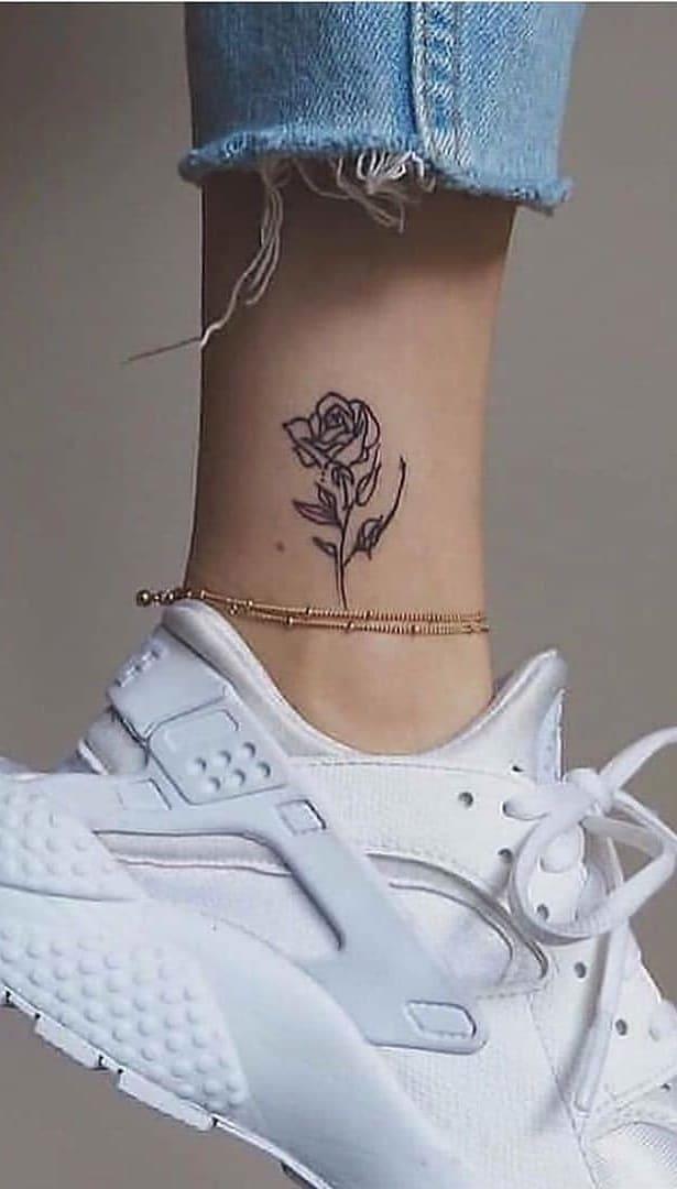 tatuagem-feminina-no-pé-7