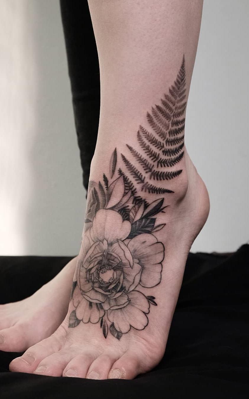 Tatuagens-nos-pés-34