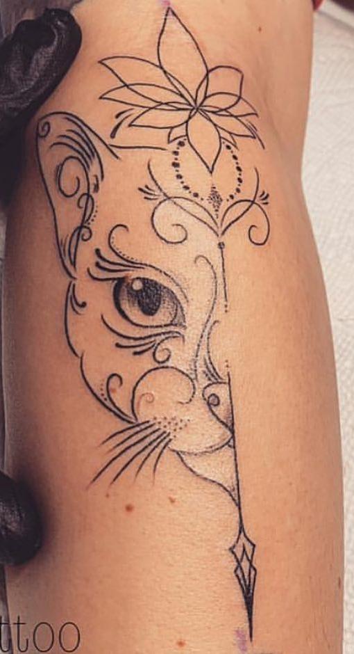 tatuagem-delicada-feminina-de-gato