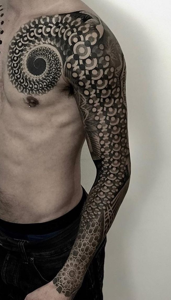 Braço-fechado-de-tatuagens-masculinas-22