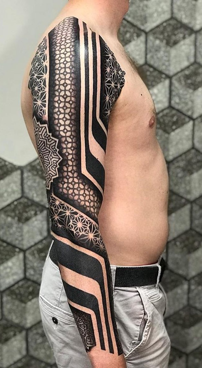 Braço-fechado-de-tatuagens-masculinas-23