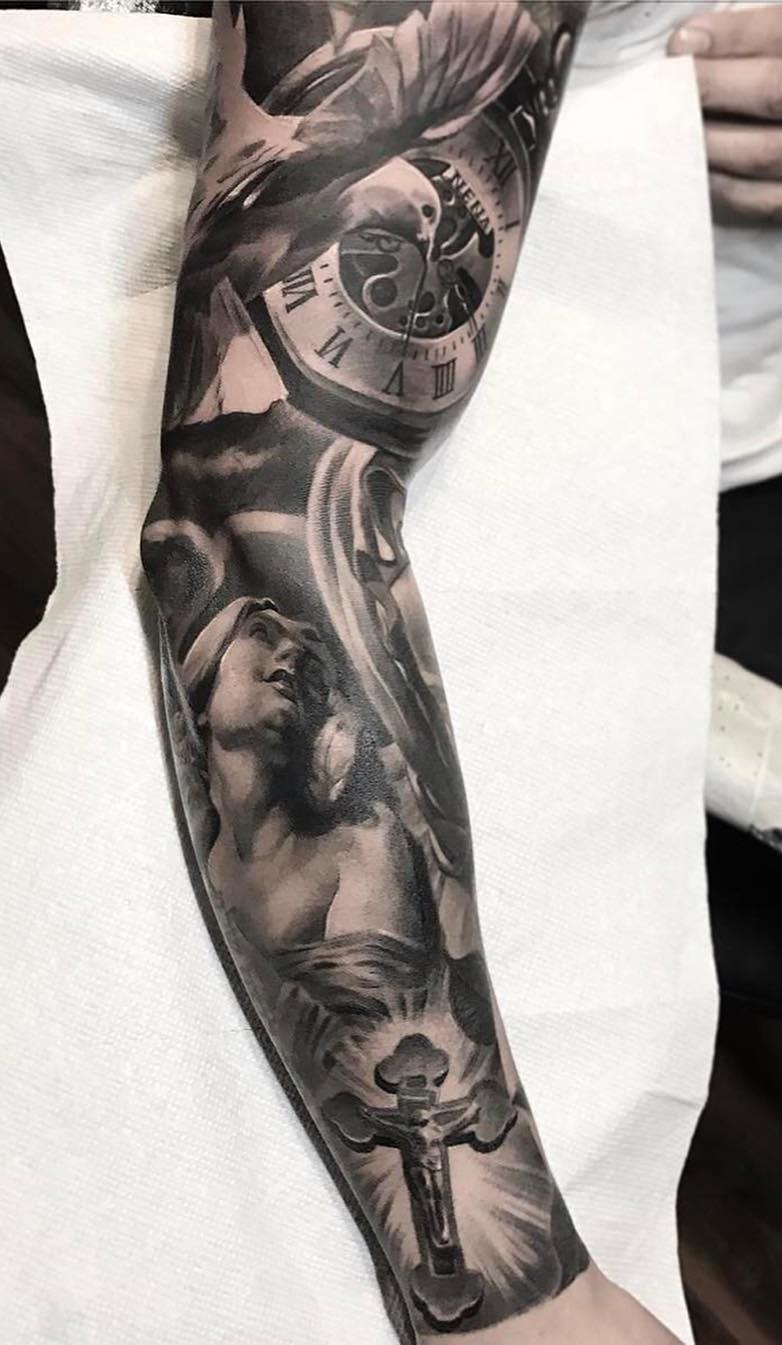 Braço-fechado-de-tatuagens-masculinas-28