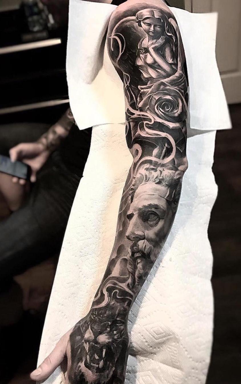 Braço-fechado-de-tatuagens-masculinas-30