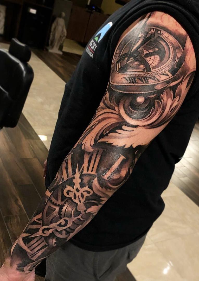 Braço-fechado-de-tatuagens-masculinas-36