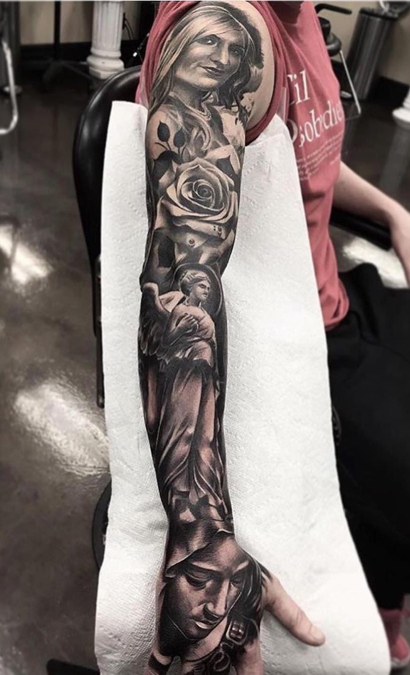 Braço-fechado-de-tatuagens-masculinas-37