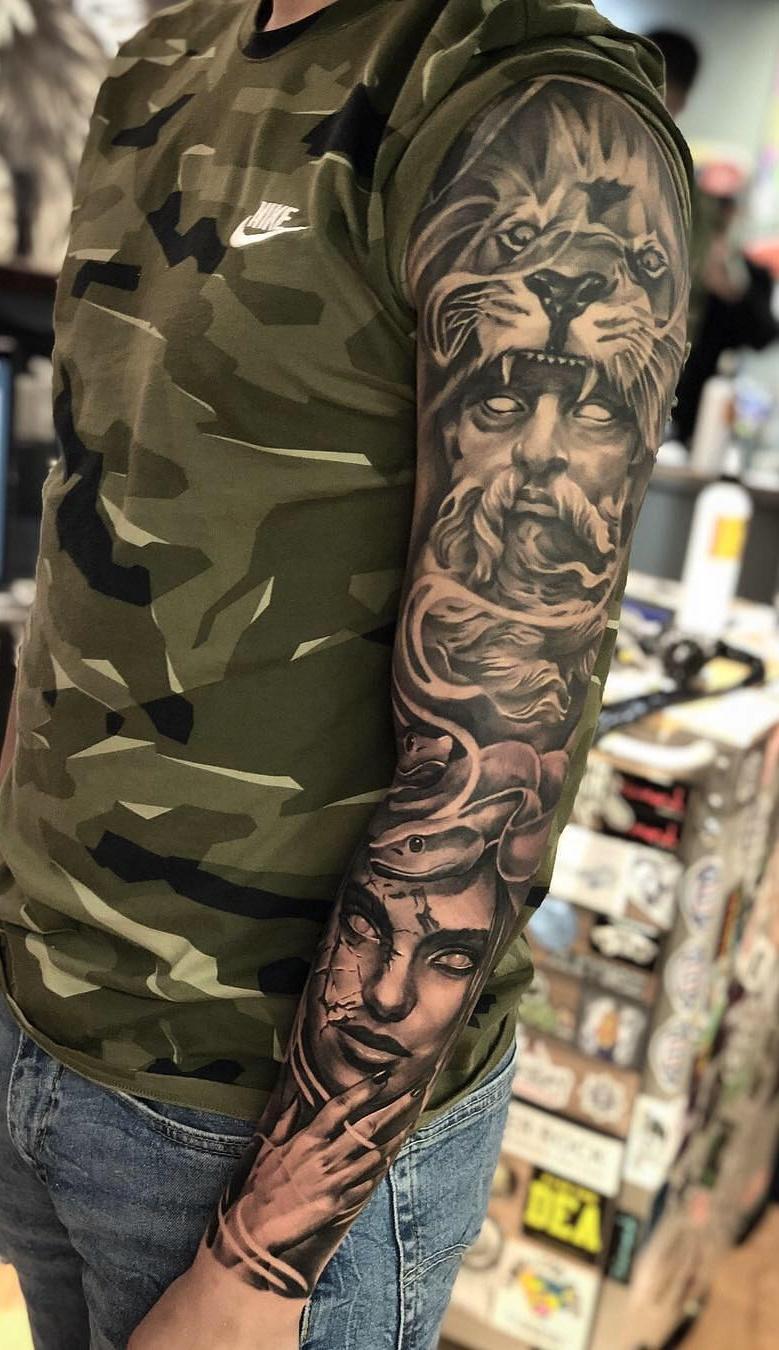 Braço-fechado-de-tatuagens-masculinas-44