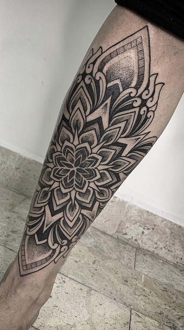 Fotos-de-tatuagens-masculina-na-perna-20-1