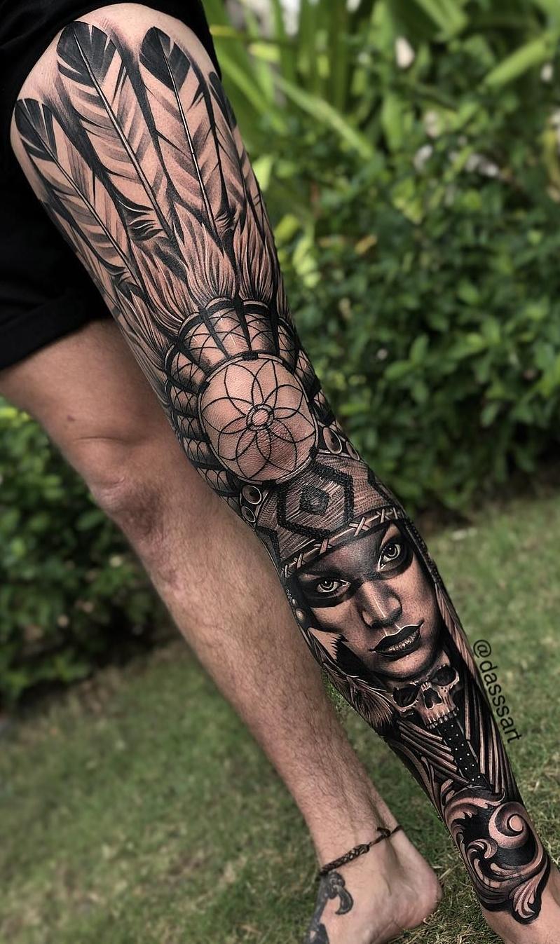 Perna-masculina-fechada-de-tatuagem-2