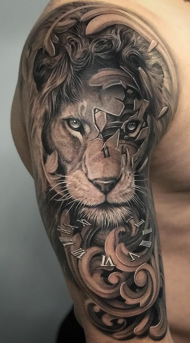 Tatuagem-masculina-na-parte-superior-do-braço-3