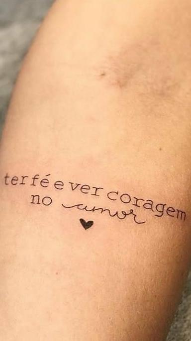 Tatuagens-escritas-em-homenagem-a-Deus-2