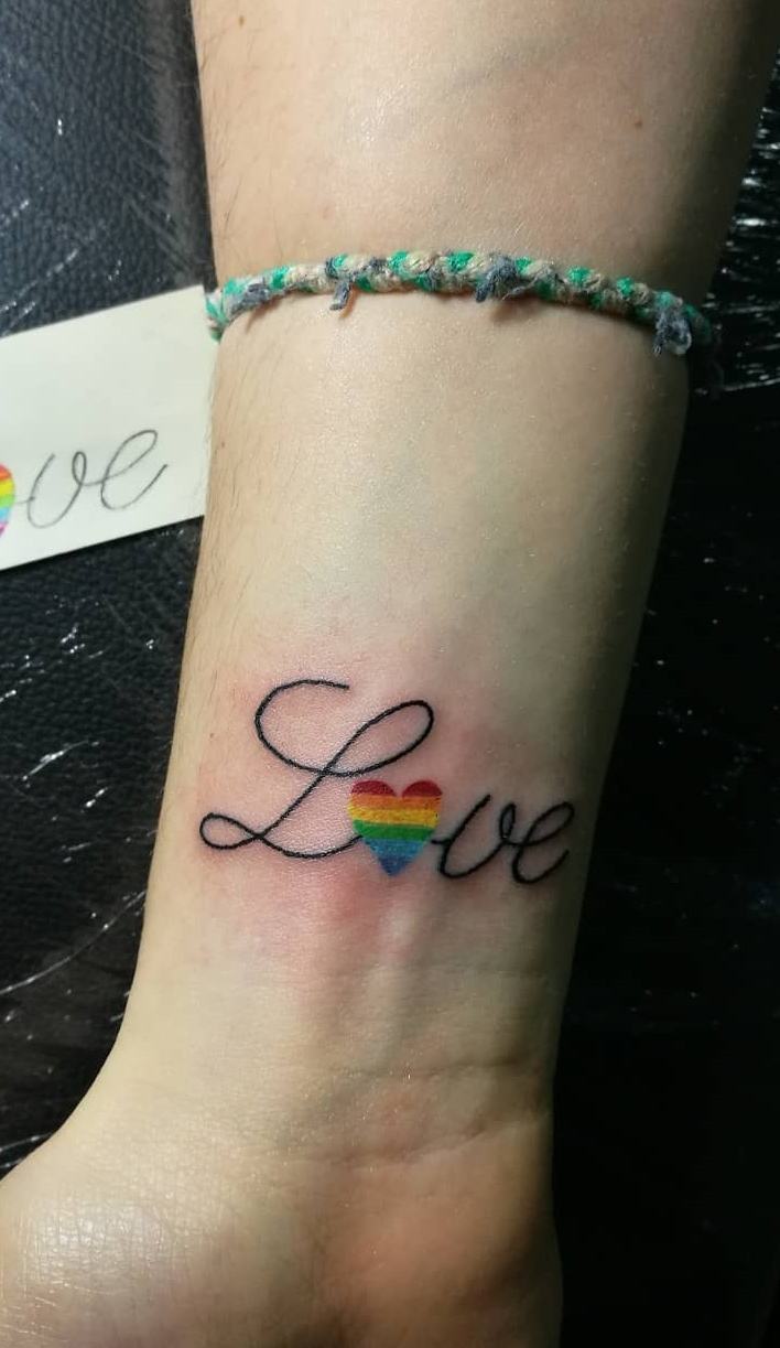Tatuagens-escrito-amor-1