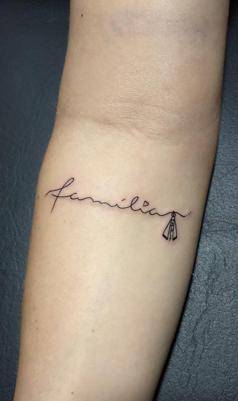 Tatuagens-escrito-familia-10