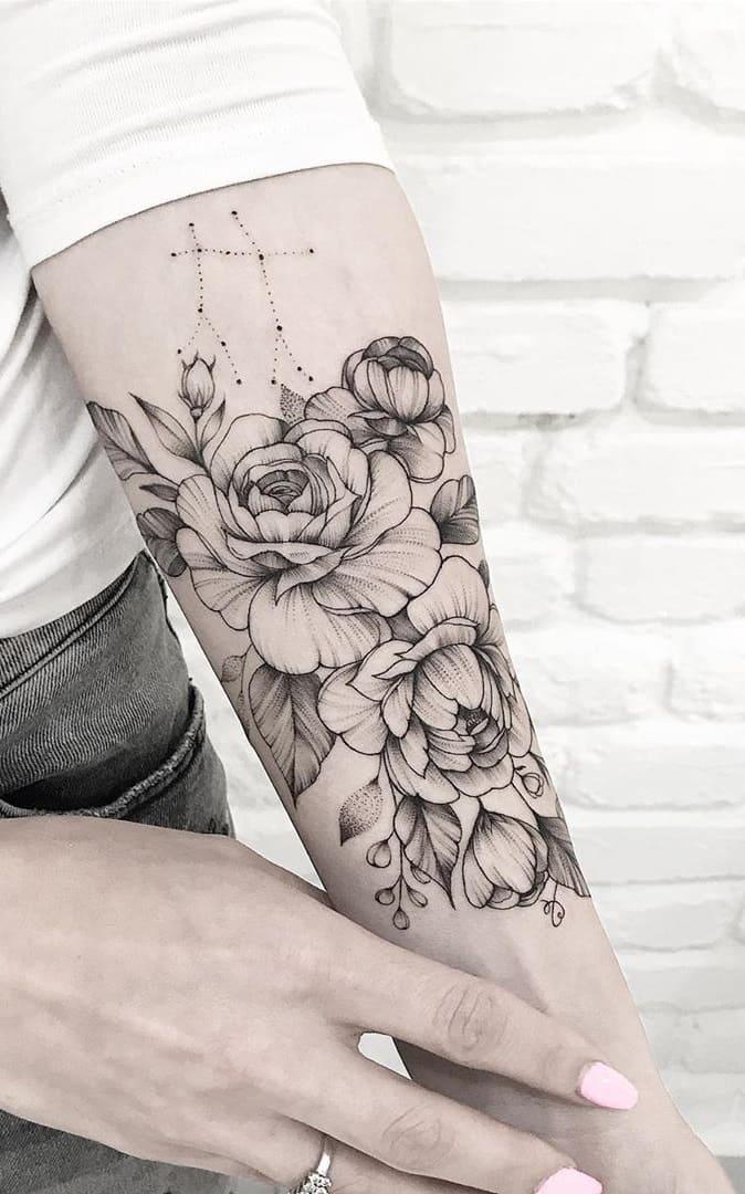 Tatuagens-floridas-no-antebraço-1
