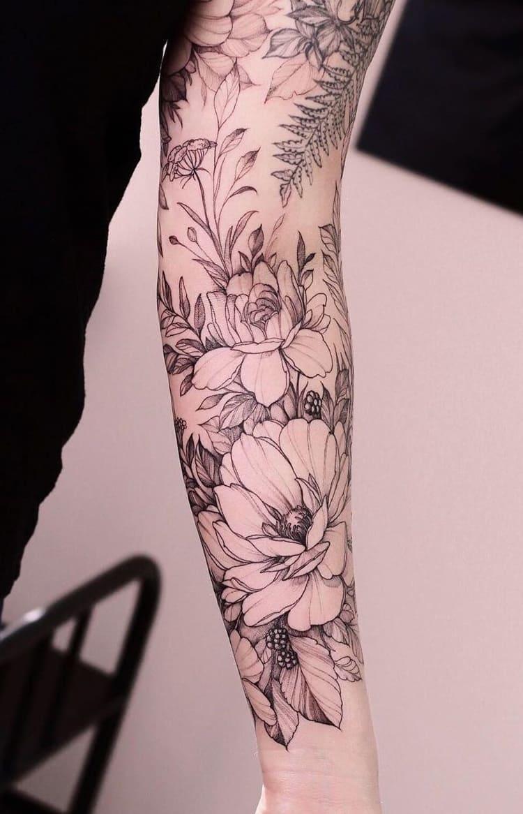 Tatuagens-floridas-no-antebraço-17