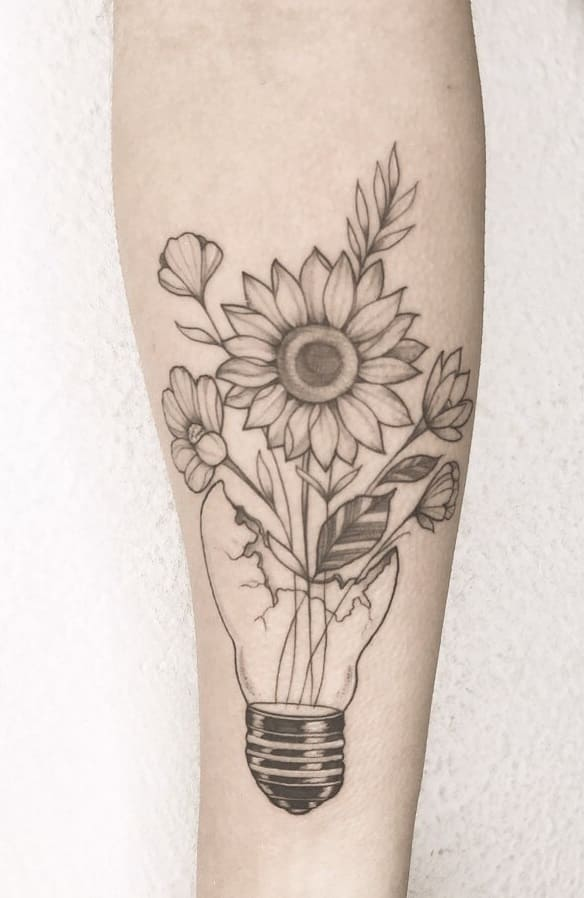Tatuagens-floridas-no-antebraço-20