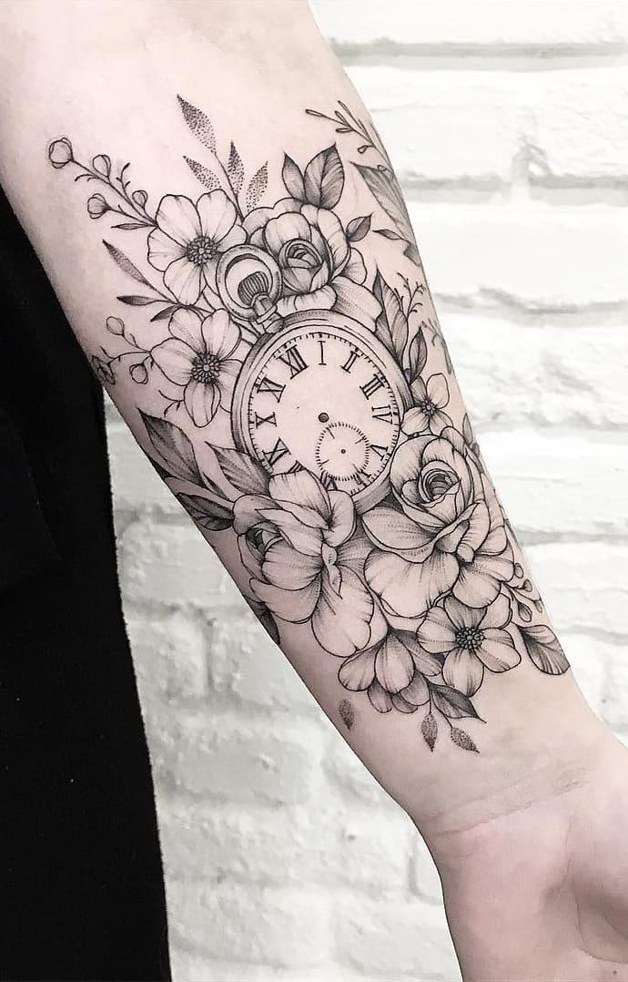Tatuagens-floridas-no-antebraço-25