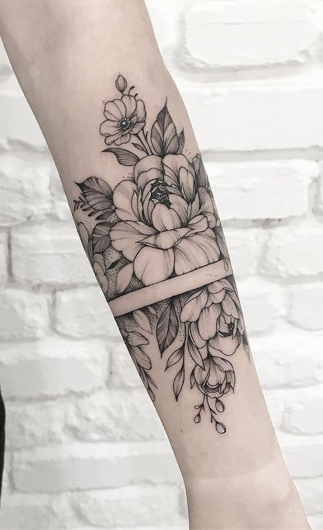 Tatuagens-floridas-no-antebraço-3